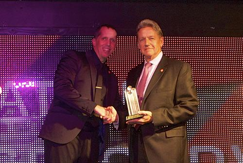 Michael Sauer (right), Head of the Americas at Reliance Globalcom, picks up the Most Innovative Enterprise Service award on behalf of his colleagues at Reliance Communications, which won for its Connect Prime service. Light Reading brand director Stephen Saunders (left) was on hand to congratulate Reliance.
