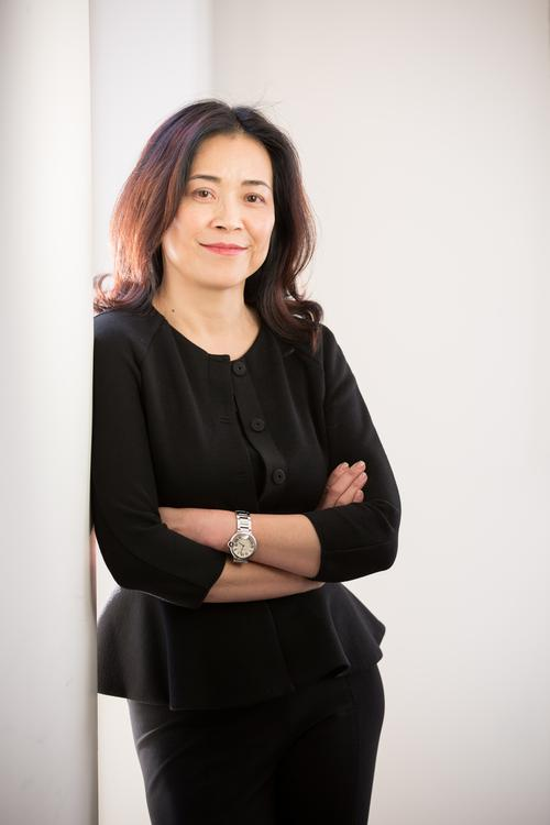 selina lo sees the light Selina lo says that in her experience, being a woman in silicon valley is a mixed bag the plus is that if you carry  but lo sees some promise of change.