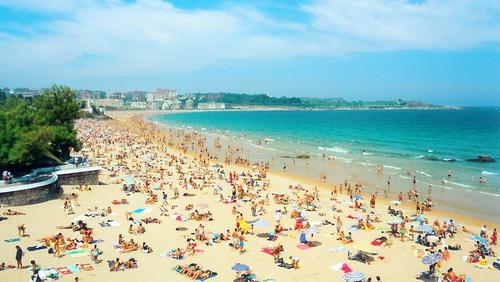 It's in Santander, so it's a smart beach.