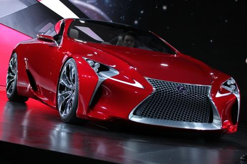 Lexus's LF-LC concept is the result of the company's effort to build 'a future hybrid sport coupe.' Lexus hasn't said much about the vehicle's powertrain, but the LF-LC is notable for the sculpted 3D spindle grille and its use of technology, including twin 12.3-inch LCD screens in the interior.