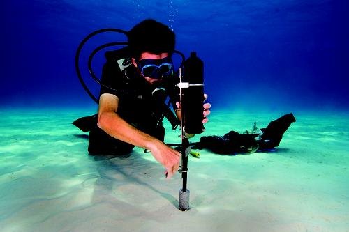 Vemco's underwater acoustic telemetry system uses lithium-thionyl chloride batteries.