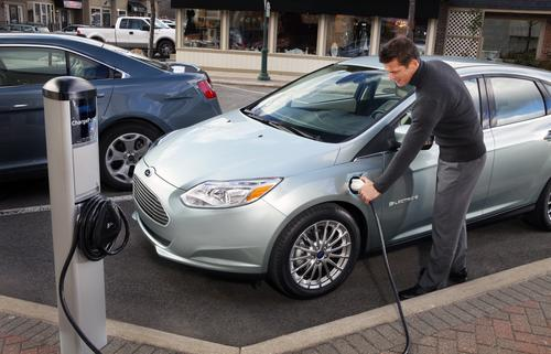 Fast-charging enables the Focus EV to be recharged in 3-4 hours at 240V. 