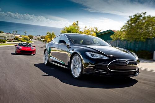 Tesla's Model S will offer three different battery sizes ranging from 40kWh to 85kWh.   (Source: Tesla Motors.)