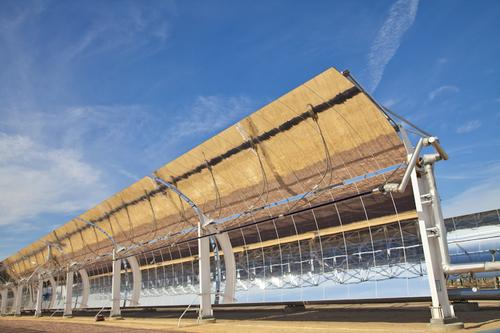 A new large aperture parabolic trough solar collector is designed to significantly reduce equipment and installation costs for concentrated solar power (CSP systems used in utility-scale power generation).   (Source: 3M)