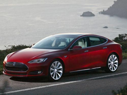 Tesla's Model S offers an all-electric range of as much as 300 miles.   (Source: Tesla Motors)