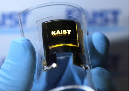 A flexible inorganic, thin-film lithium-ion battery made of all solid-state materials delivers enough energy density to power this bendable display. (Source: Nano Letters)