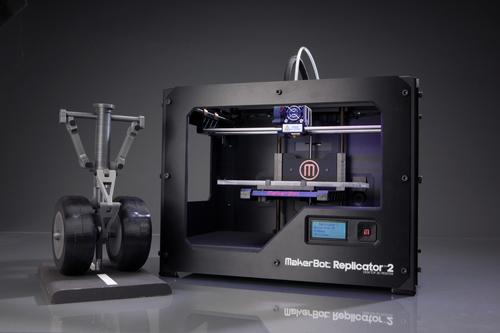 With its 100-micro layer resolution, the MakerBot Replicator 2 aims to set a new standard in professional-looking models and true-to-life replicas.   (Source: MakerBot)