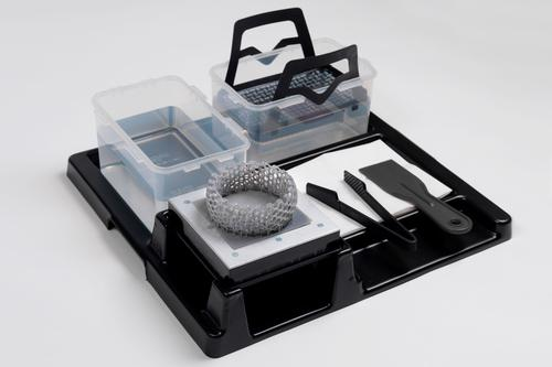 The Form Finish Kit includes a finishing tray and a set of accessories to make part finishing easy for users. (Source: Formlabs)