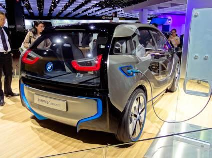 The electric motor of the BMW i3 Concept is designed primarily for city driving, developing 125 kW/170 hp, with peak torque of 184 lb-ft. The Concept goes from 0-60 km/h (37 mph) in under four seconds and 0-100 km/h (62 mph) in under eight seconds.