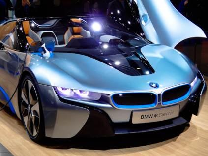 The BMW i8 Concept can run on electric power alone. The energy supplied by the application-designed battery (installed between the front and rear axles)  to the electric motor at the front axle gives the BMW i8 Concept an all-electric driving range of about 20 miles. The battery can be fully recharged in two hours in a standard power socket.
