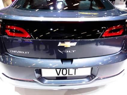 GM's Chevy Volt is the first application of the E-Flex (Voltec) drive system with a combination of an electric motor, a 16 kWh lithium-ion battery pack with 136 kW peak power, and a powertrain consisting of a 1.0 L, 3-cylinder turbocharged flex-fuel capable engine linked to a 53 kW (71 hp) generator.