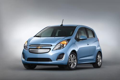 Unveiled at the Los Angeles Auto Show, the 2014 Chevrolet Spark EV uses a GM-designed, coaxial drive unit and electric motor that deliver 130 hp (110 kW) and 400 lb-ft (542 N-m) of torque.   (Source: GM)