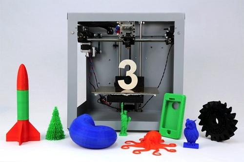 Solidoodle 3 hits the market promising 2,300dpi for $700. A useful tool for the budget-minded creator, the printer has an eight-inch cube work envelope and a heated platform. (Source: Solidoodle)