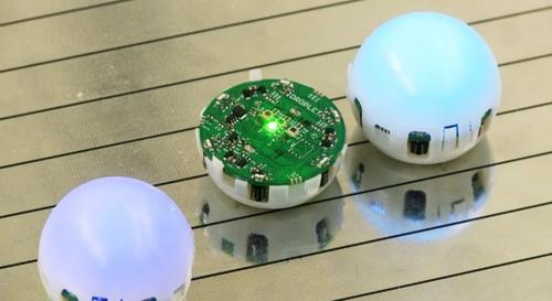 Swarming robots, or droplets, developed by the University of Colorado, Boulder, may someday assemble telescopes and satellites in space.   (Source: University of Colorado, Boulder)