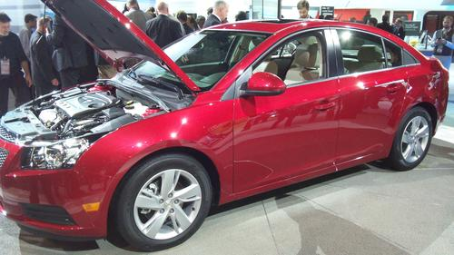 With a starting price of $25,695, the Cruze Clean Turbo Diesel is expected to appeal to those who want to combine high fuel efficiency with an engine that offers high torque.   (Source: Design News)