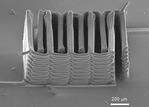 Harvard University, the University of Illinois at Urbana-Champaign, and visiting researchers from South Korea have demonstrated the ability to 3D print a pinhead-sized battery. These interlaced and stacked electrodes were printed layer by layer to create the working anode and cathode.(Source: Jennifer A. Lewis/Harvard University)