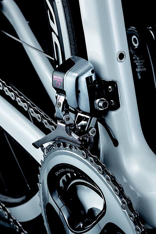 The 22-speed shifting mechanism uses an electronically controlled, Shimano Dura Ace Di2 FD-9070 front derailleur.   (Source: Lexus)