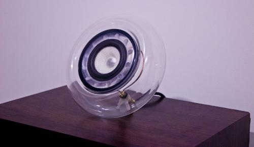 A New Zealand designer has 3D-printed a speaker for his home audio system, a multi-material design made with the Objet Connex 3D printing system from Stratasys.   (Source: Simon Ellison)