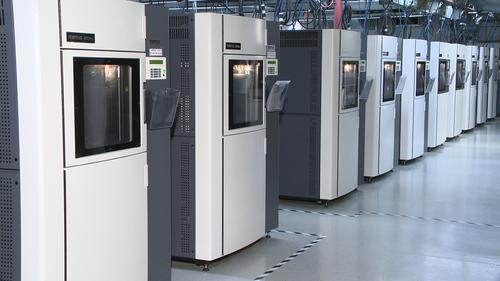 Large Fused Deposition Modeling (FDM) additive manufacturing systems, such as Stratasys' FDM 900mc, make it possible to produce functional production parts for end-use applications.   (Source: RedEye)