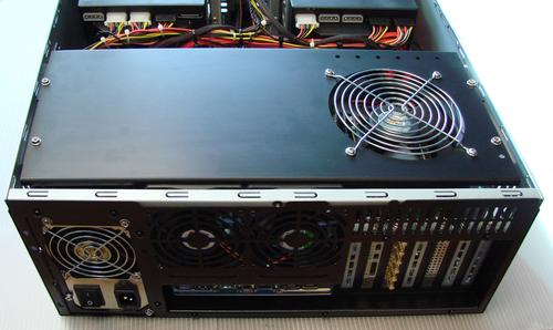 Figure 4. A top-mounted 120-mm fan blows air down onto the expansion cards.