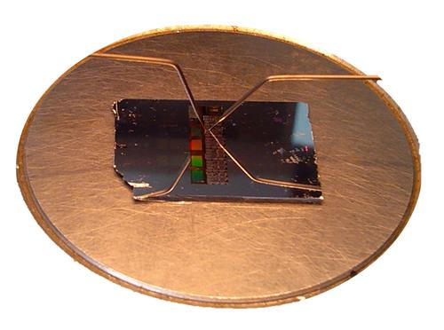 A prototype of a phase-change memory device developed by researchers in China.   (Source: Xilin Zhou, Institute of Microsystem and Information Technology, Chinese Academy of Sciences)