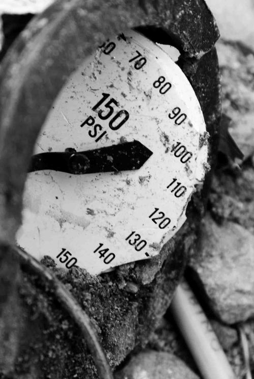 This gauge failed due to impact damage.   (Source: Wika)