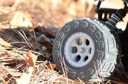 This multi-materials tire and wheel for a remote-controlled vehicle were printed with the new ProJet 5500X.   (Source: 3D Systems)