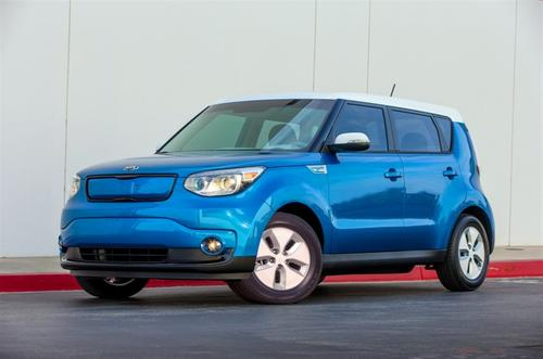 Kia's Soul EV offers an all-electric range of about 80 to 100 miles. The vehicle will hit the streets in California and Oregon in August.   (Source: Kia Motors)