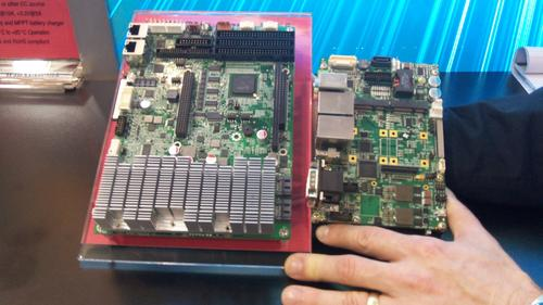 At the recent EE Live Show, WinSystems showed how its new board (right) eliminates the need for large-finned heat sinks (left).  (Source: Design News)