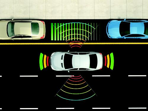Surround-view cameras use a software program to stitch together multiple camera views around the vehicle, giving the driver a top-down view of what's around the car, as if a camera were hovering above it. The new MCU from Freescale and Broadcom could lay the foundation for such features in mid- and entry-level vehicles.(Source: Freescale Semiconductor)