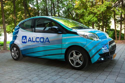 Alcoa and Phinergy demonstrated an EV battery chemistry that they claim can deliver 1,000 miles on a single charge. (Source: Alcoa)