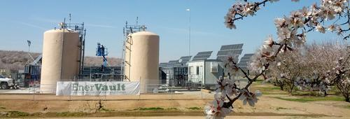 An EnerVault redox flow battery storing energy from solar panels in California's Central Valley as part of the Turlock Project. This is the first grid-connected field installation of EnerVault's technology, which promises grid-scale storage of renewable energy using an iron and chromium-based redox flow battery.(Source: EnerVault)