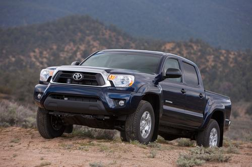 The 2014 FWD Toyota Tacoma shows how slim the margin is between best and worst. At 17 mpg, the four-wheel-drive truck ties for the lowest-rated small pickup. Oddly, it is 6 mpg worse than the two-wheel drive Tacoma, which gets DOE's nod as the most fuel-efficient small pickup. The FWD Tacoma checks in at 16 mpg in the city and 19 on the highway.  (Source: Toyota)