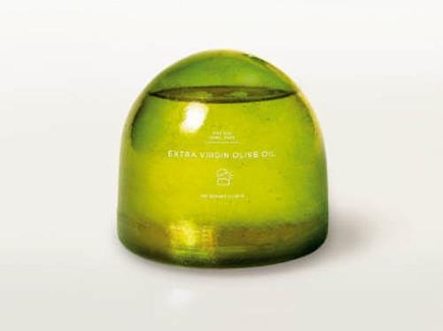 A container for oil designed by Swedish design firm Tomorrow Machine made of caramelized sugar and a wax coating. To open it, you crack it like an egg.  (Source: Tomorrow Machine)
