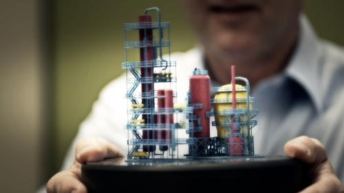This model of an oil rig printed with HP's Multi Jet Fusion 3D-printing process has multiple colors and high detail that were all printed in one pass.