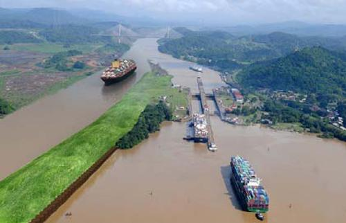 A conceptual view of the third set of locks on the Panama Canal.