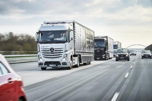 Photo courtesy: Daimler AG - Global Communications Commercial Vehicles