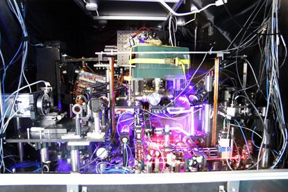 JILA's strontium atomic clock set-up as used in its quantum simulation experiments. click here to enlarge. 