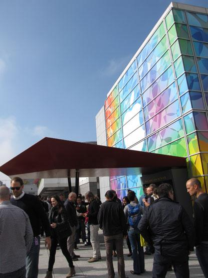Outside Apple's product announcement event at the Yerba Buena Center for the Arts in San Francisco.(Source: EE Times)
