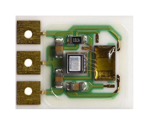 Merit Sensor's temperature-compensated pressure sensors use back-side entry to keep media from contacting with the top side of the pressure sensing die where the electronics are housed. (Source: Merit Sensor)
