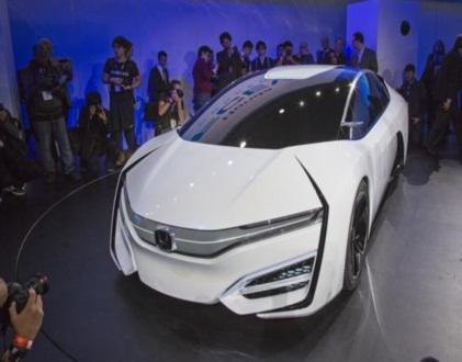 The introduction of Honda's FCEV Concept drew crowds at the recent Los Angeles Auto Show. 