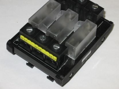 Figure 4. Connectors capable of carrying 100 amps -- imagine what the tracks look like! (Click here to see a larger image.)