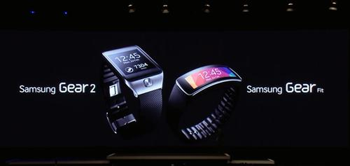 Samsung Gear and Gear Fit smart watches. (Source: Samsung)