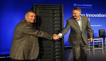 IBM's Tom Rosamilia (left) and Doug Balog (right) revealthe company's Power 8 systems.(Source: Monica Davey/IBM)