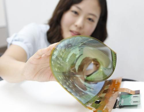 A working 18-inch flexible OLED display can be flexed intoa three-centimeter (1.2-inch) scroll.(Source: LG)