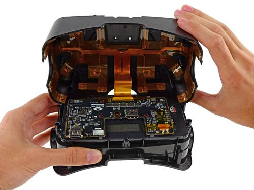 Getting into the goodies: iFixit's teardown of Oculus Rift Developer Kit version 2 found   (Source: iFixit)