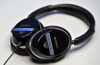 MDR-NC500D digital noise-cancelling headphones from Sony.