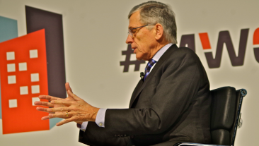 FCC Chief at MWC: 'No One Blocks Internet'