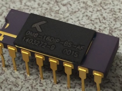 Knowm still offers 16 memristors in a single dual in-line ceramic package--of all three varieties--plus now offer a 'die only' option that holds 180 memristors (not shown). (Source: Knowm)