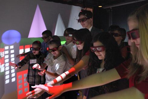 Raytheon brings school projects to 3D life for middle school students in Tucson, Ariz.